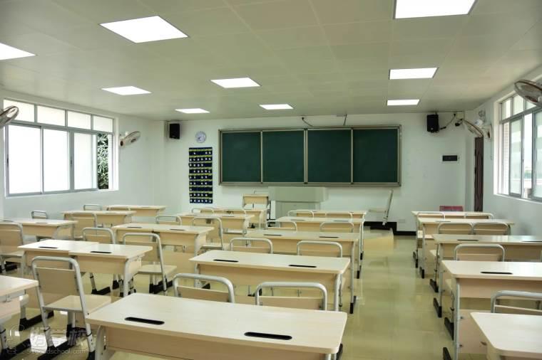 广东省国防科技技师学院课室