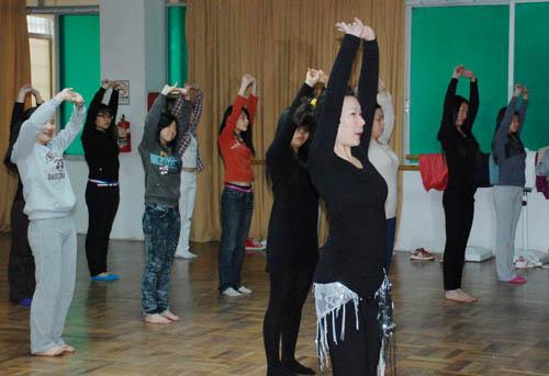 金珠瑜珈中亚地带肚皮舞教练初中高级连读班