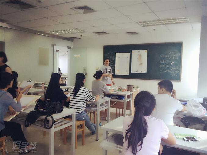 深圳服裝畫技法短期培訓班-深圳中鵬服裝設計學校