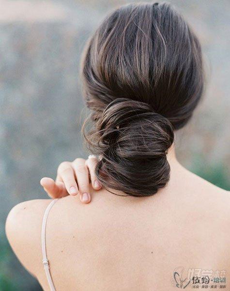 什么样的扎发发型不会单调?