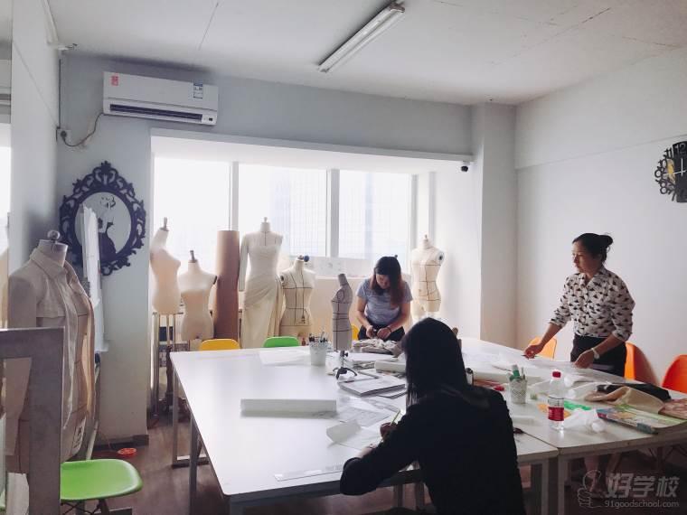 长沙诗茹服装设计工作室校区环境