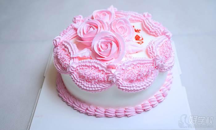制作出适合当前市场需求的蛋糕,所有蛋糕具备新颖的款式,可爱的造型灯