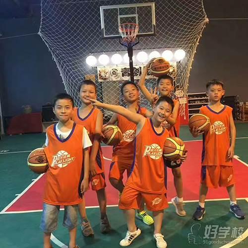 武汉极光篮球俱乐部学员风采