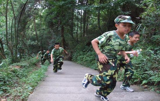 军事夏令营主要有哪些项目?