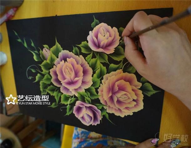 艺纭美甲学校美甲课程学习内容之一---排笔绘画