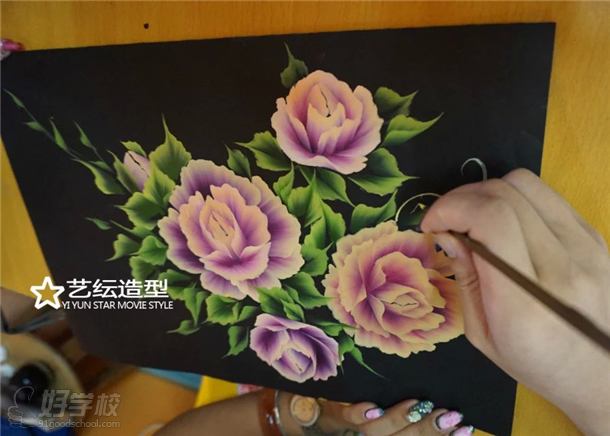 艺纭美甲学校美甲课程学习内容之一 排笔绘画