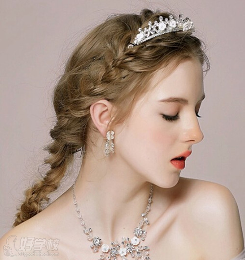 2015唯美复古宫廷新娘发型