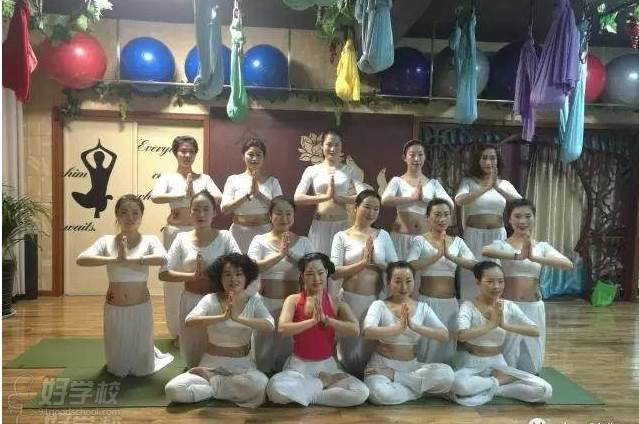 淮北肩颈理疗瑜伽教练班图片