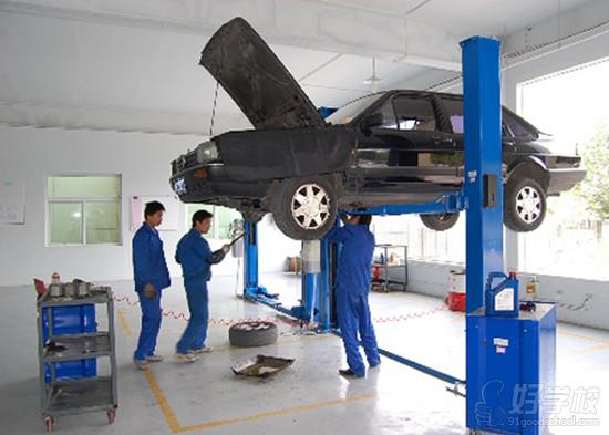 1,汽车检测与维修专业有哪些实训设备?