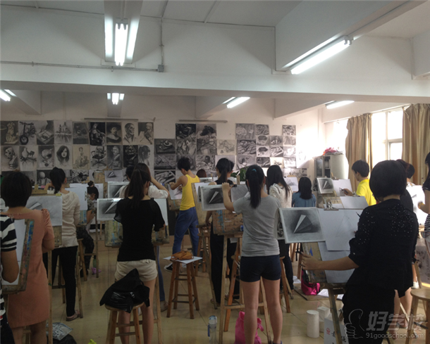 广州大学纺织服装学院的教学环境图片 401029 610x489