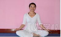 善于哈他瑜伽,流瑜伽,高温瑜伽,肩颈脊柱调理,艾杨格理疗瑜伽.图片