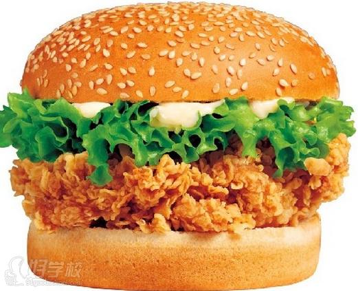关于汉堡包 汉堡包,美国快餐业的软黄金!美式炸鸡汉堡,餐饮创富的神话!全球餐饮连锁的标杆!它诞生了麦当劳、肯德基一个又一个世界级的餐饮巨头!  培训内容 炸鸡系列 香辣鸡腿、香辣鸡翅、香辣鸡排、无骨鸡柳、劲爆鸡米花、上校鸡块、墨西哥鸡肉卷、老北京鸡肉卷、德州炸鸡、脆骨鸡块 汉堡系列 鸡腿汉堡、鸡肉汉堡、牛肉汉堡、猪肉汉堡、田园脆鸡汉堡、鳕鱼汉堡、火腿汉堡、三明治、芝士汉堡 西式炸点 劲爆鸡米花、脆香鸡柳、炸薯条、脆皮基围虾、骨肉相连、炸洋葱圈、鱿鱼圈  培训内容 1.老师讲解炸鸡粉、面包糠、腌粉等原料了解