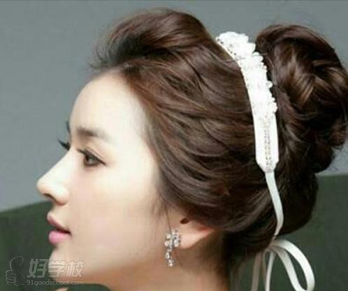 韩式新娘发型基础步骤截图